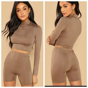 SHEIN Other - Shein long sleeve crop tee & legging shorts set